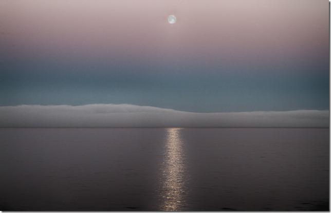Full-Moon-Over-Fogbank_thumb.jpg